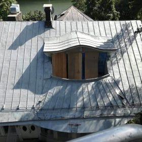 Hiekkapuhalluksella puhdistettu katto Hiekkapuhallusyksikkö Koivukoski Oy